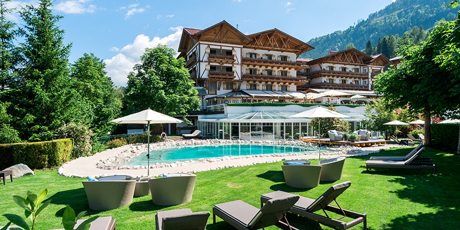SAVE ONE NIGHT im Oberforsthof – Sommerurlaub ab €444,- pro Person.